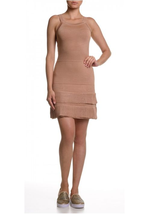 vestido-tricot-curto-bandagem-canelado-