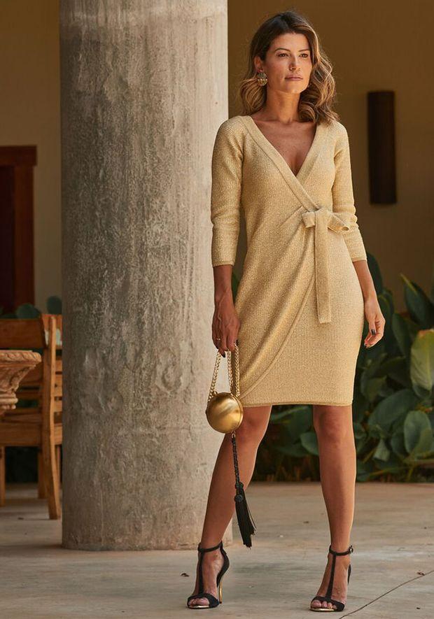 Vestido-Tricot-Curto-Transpassado--dourado-3