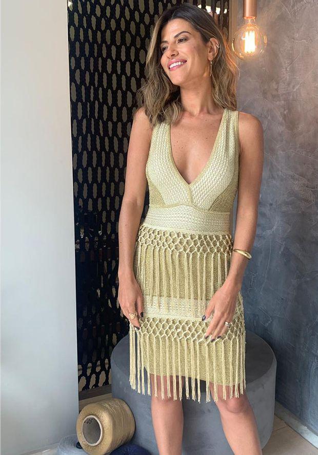 Vestido-Tricot-Curto-Bandage-Franjas--dourado-3