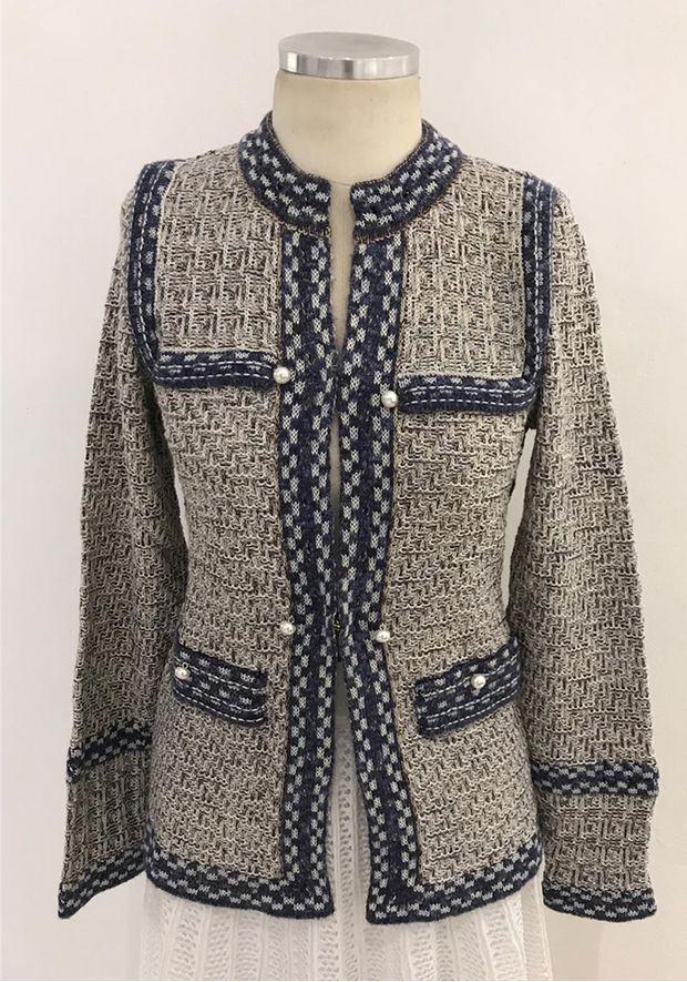 Casaco-Tricot-Chanel-Twed-Perolas--azul-1