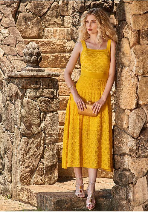 Vestido-Tricot-Midy-Losango-com-Furos--amarelo-1