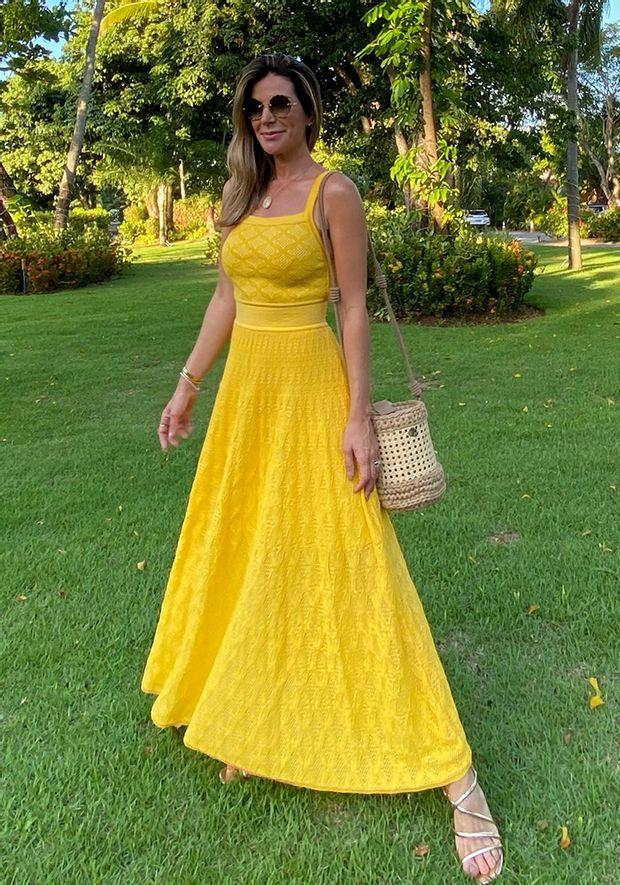 Vestido-Tricot-Midy-Losango-com-Furos--amarelo