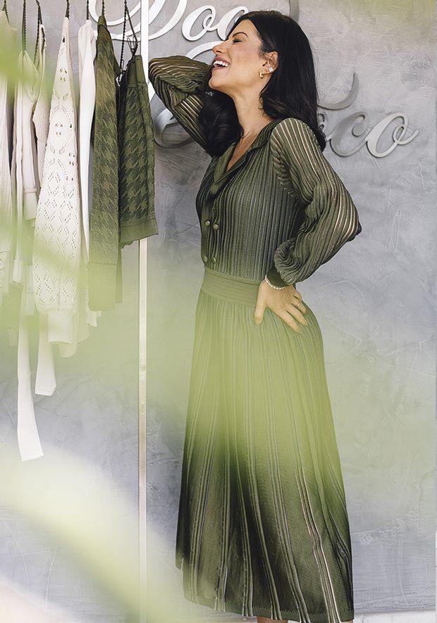 Vestido-Tricot-Midy-Botoes-Nervuras-Transparencia--verde-militar-2
