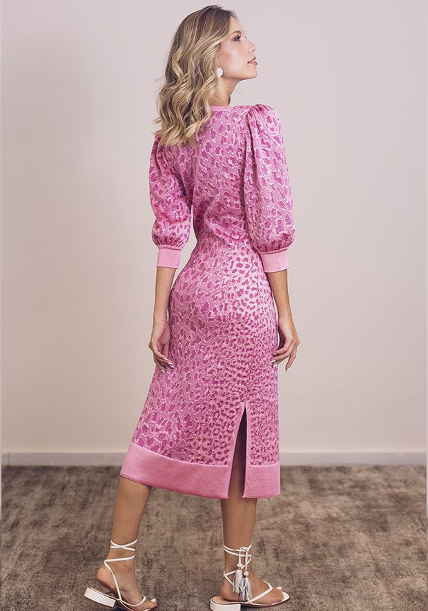 Vestido-Tricot-Midy-Manga-Bufante-Fenda-Lateral--rosa-claro-com-brilho-3